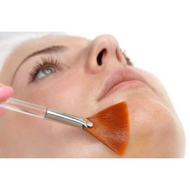 Peeling acido Mandelico protocollo cabina estetica
